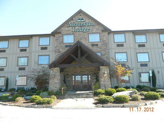 Mountain Lodge : front of hotel
