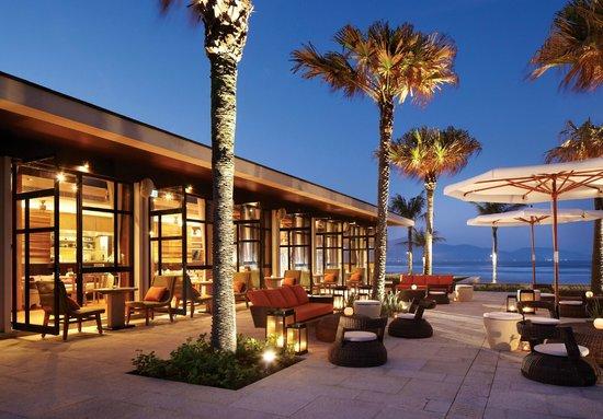 Hyatt Regency Danang Resort & Spa: Pool House - outdoor