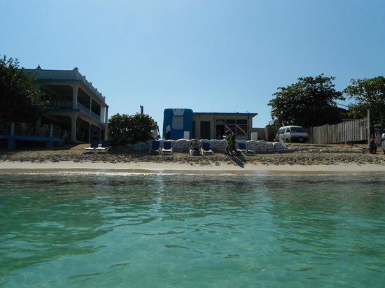 Travellers Beach Resort: Dive shop on property