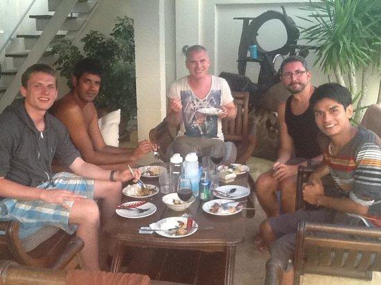 Phuket Gay Homestay - Neramit Hill: Thai dinner by the pool