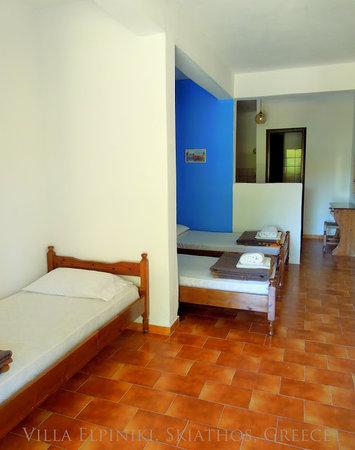 Villa Elpiniki: Studio's with 2 or 3 beds