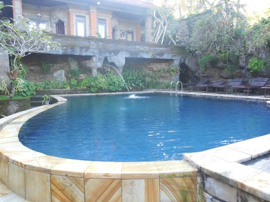 Nick's Hidden Cottages: The Amazing pool!