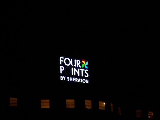 Four Points by Sheraton Ventura Harbor: Hotel Sign: Fail