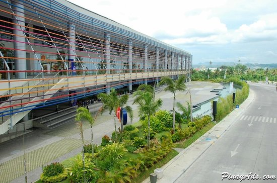 SM Lanang Premier: The Fountain Court.. View from the Bridgeway