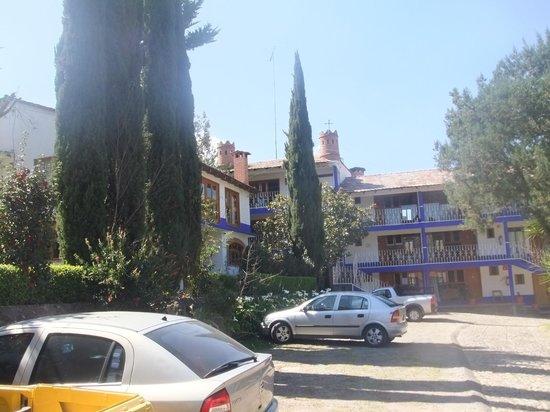 Hotel Bellavista: Parte del estacionamiento