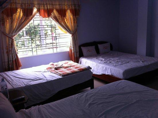 Valentine Hotel: Triple room