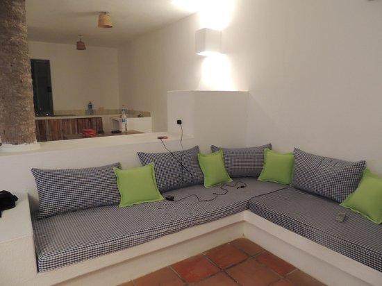 Cabo Alto Hotel & Spa: Sala y 2 camas