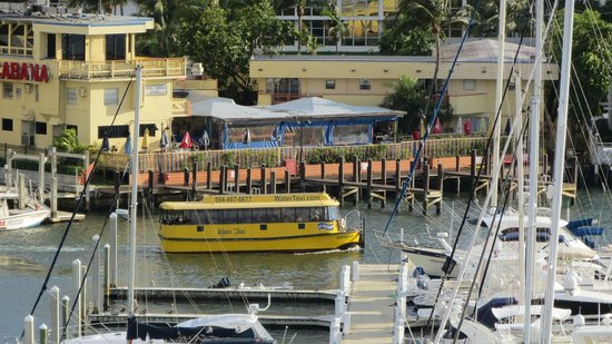 Bahia Mar Fort Lauderdale Beach - a Doubletree by Hilton Hotel: Canal ferry leaving stop #7