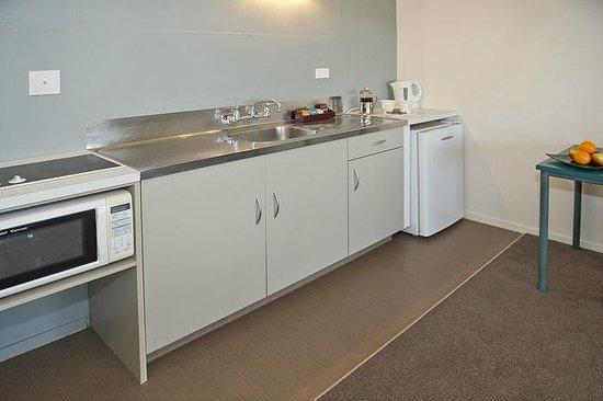 Oceanside Motel Whitianga: 1 Bedroom kitchen