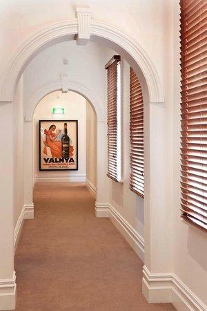 Ikon Hotel: Hallway