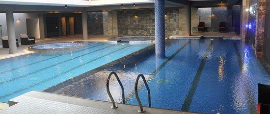 Long Beach Hotel Swimming Pool Area