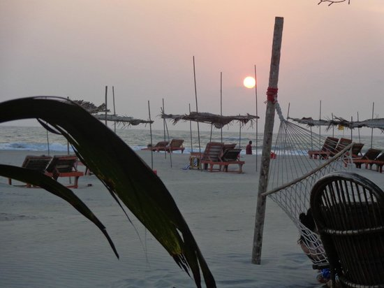 Morjim: Sunset view from the Hard Rock shack