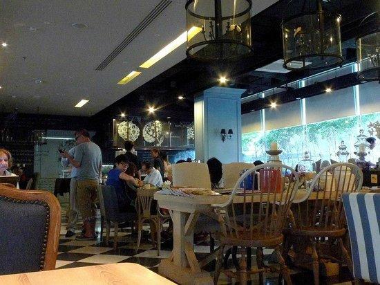 Vic3 Bangkok: 混搭風的餐廳