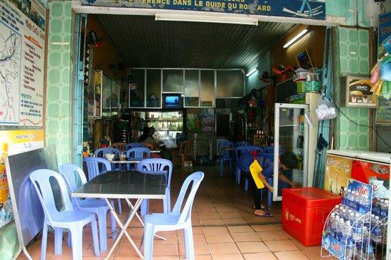 Minh & Coco Mini Restaurant: Restaurant