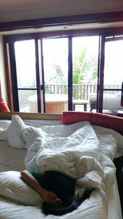 Centara Grand Beach Resort Phuket: Sea view from your bed