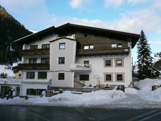 Photo of Hotel Arnika Ischgl