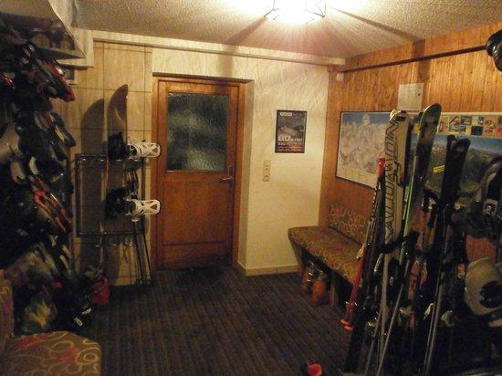 Hotel Arnika: Skikeller