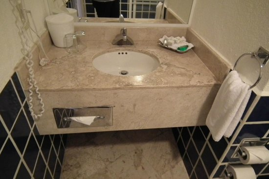 Buenaventura Grand Hotel & Great Moments All Inclusive: El lavabo con sus amenidades