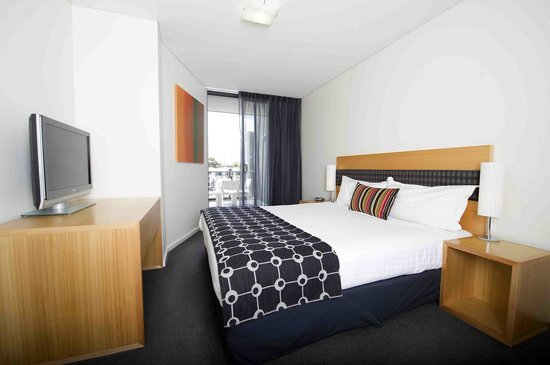 The Sebel East Perth: Water View Rooms overlook Claisebrook Cove