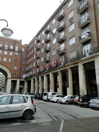 ريجنسي سويتس هوتل بودابست: Voorzijde hotel