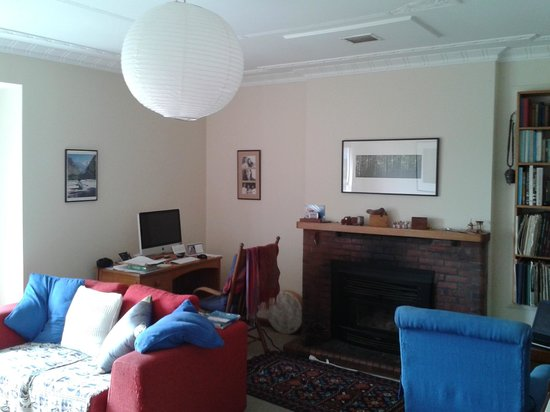 Featherstone B&B: Guest private lounge