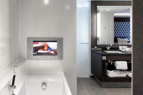 Hotel Dux: Bathroom Suite Deluxe