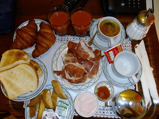 Hotel De Monti: Breakfast at De Monti