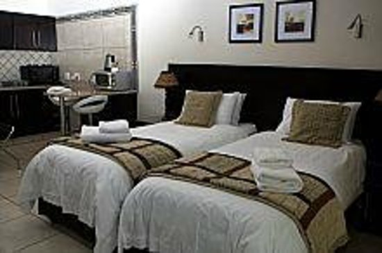 Goodey's Guesthouse: Self-catering twin room