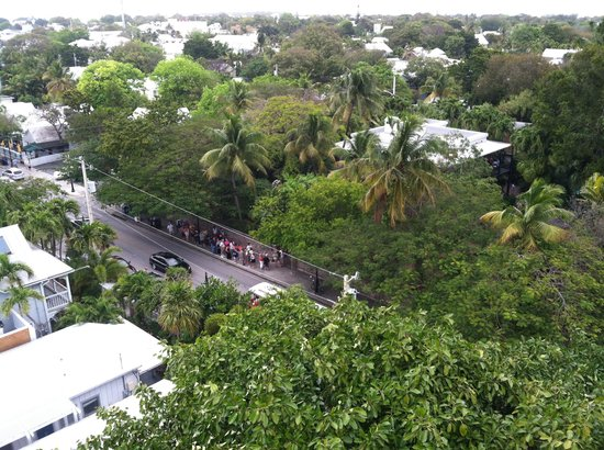 Key West Lighthouse and Keeper's Quarters Museum: Hemingway house from lighthouse