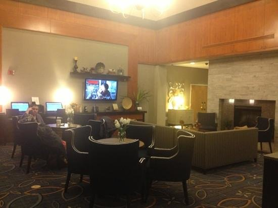 Comfort Inn & Suites Boston Logan International Airport: lobby lounge