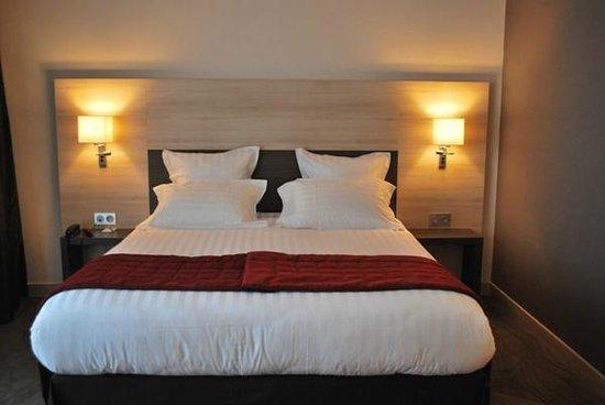 kyriad prestige spa lyon est saint priest eurexpo. Black Bedroom Furniture Sets. Home Design Ideas