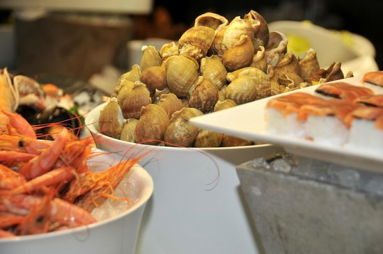 Kyriad Prestige & Spa Lyon Est - Saint Priest Eurexpo : Buffet de fruits de mer