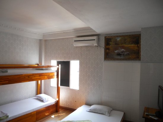 Backpacking Club Hostel: Airco in every room