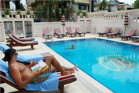 Bilem High Class Hotel: OUT DOOR POOL