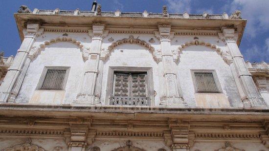 Lakhota Fort : Lovely Jharoka