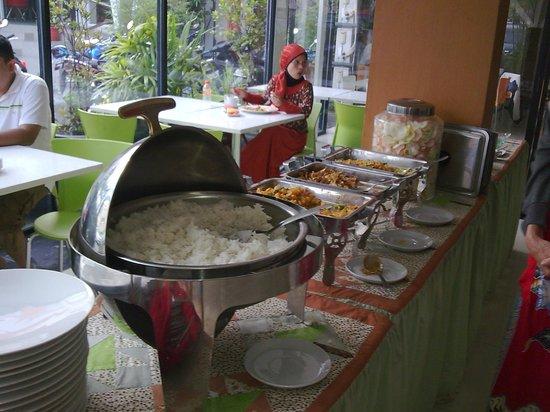 Image Hotel & Resto: Breakfast