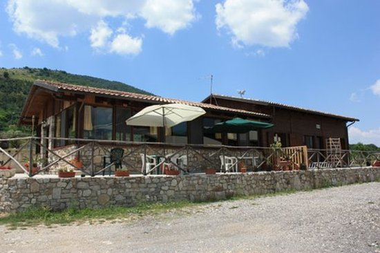 Castelpetroso, İtalya: getlstd_property_photo
