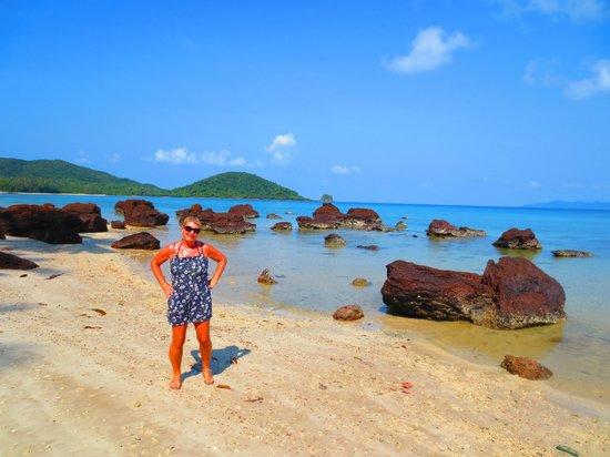 Good Time Resort Koh Mak: The best beach left of cococape pier