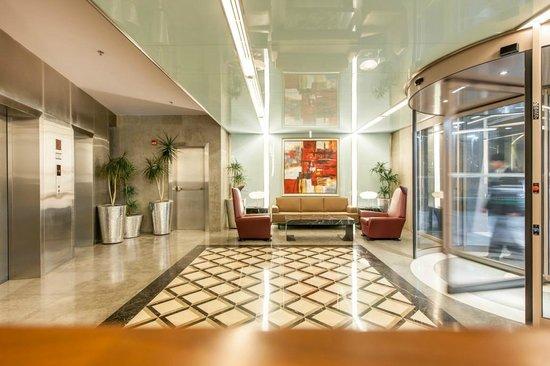 InterContinental Al Khobar: Hotel Lobby