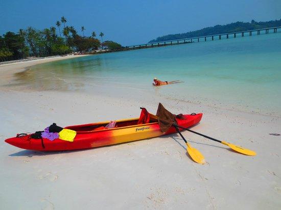 Good Time Resort Koh Mak: Kayak to nearby islands
