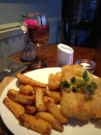 Glenisle Hotel: really fabulous food! (fish and chips)