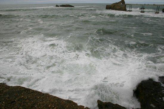 La Côte des Basques : onde selvagge e il profumo dell'oceano