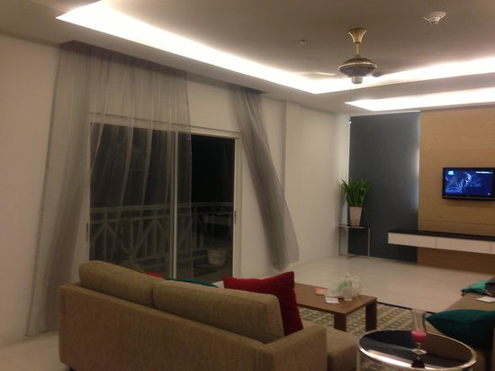Century Langkasuka Resort: No curtain at hall in VIP Suite