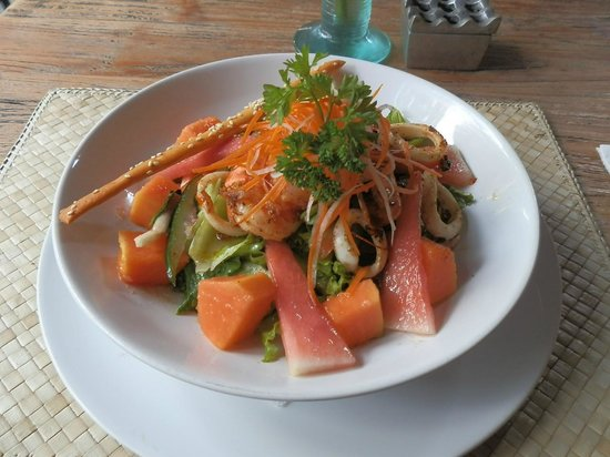 Bollero Restaurant: Calamari Salad