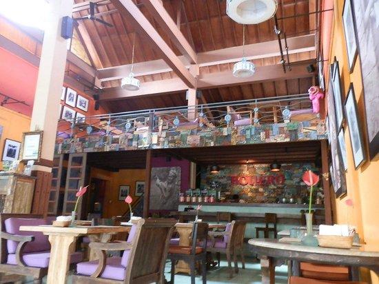 Bollero Restaurant: Trendy and Cosy
