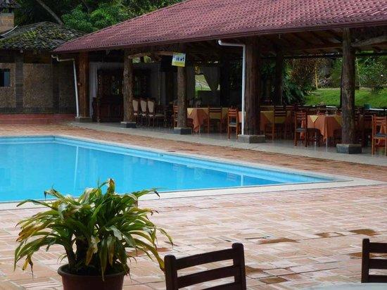 Hosteria El Arenal: Restaurant am pool
