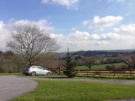 Velwell House Bed & Breakfast: Can't really fault the views at Velwell House!