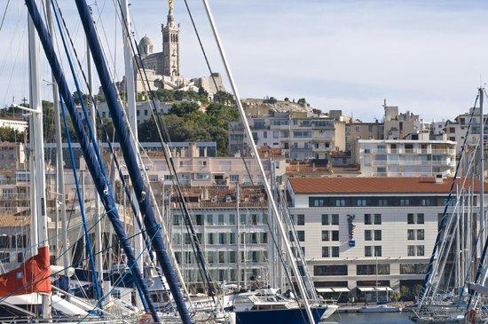 Radisson Blu Hotel, Marseille Vieux Port : Localisation