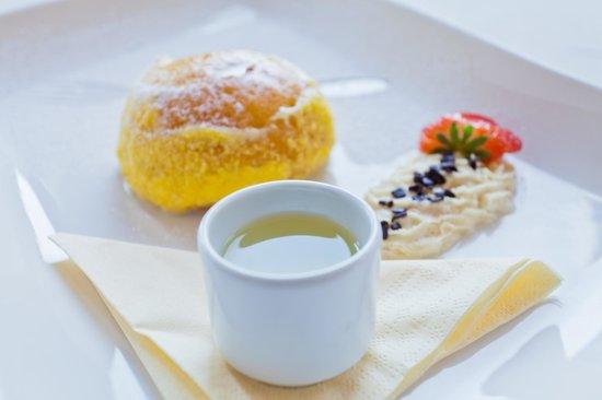 Aquattro Restaurant : Babà al limoncello