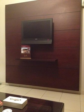 Mercure Value Riyadh: Tv side